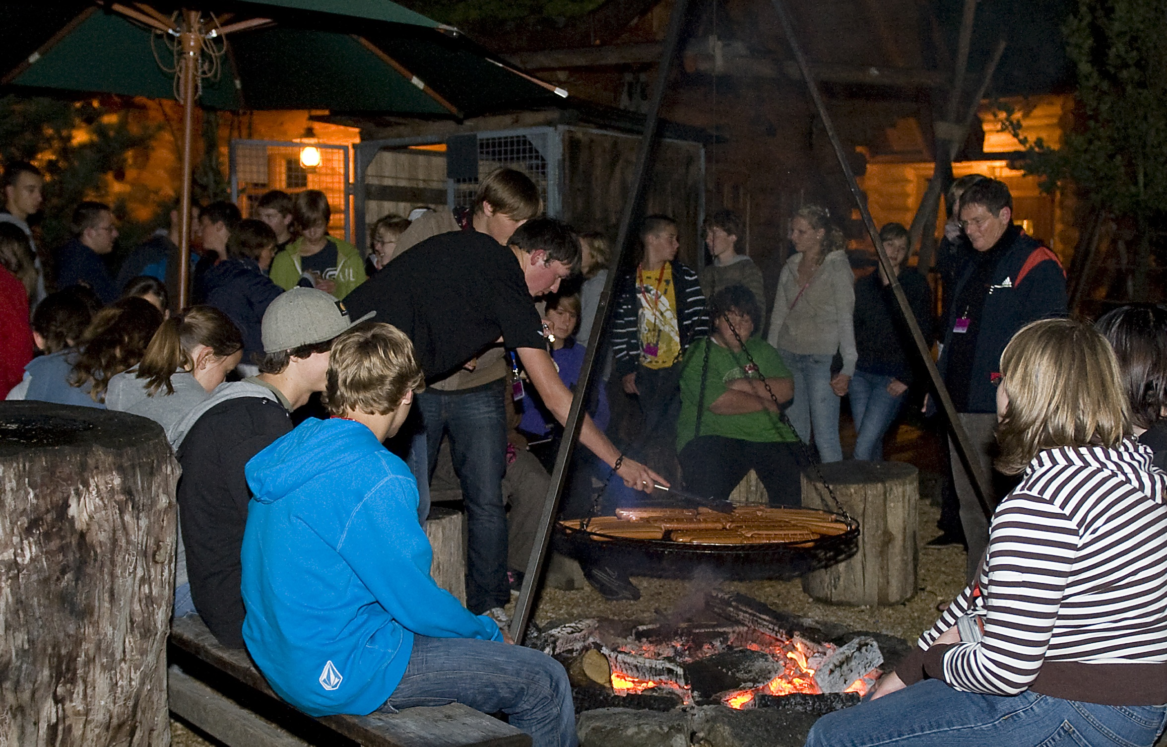 Lagerfeuer im Camp